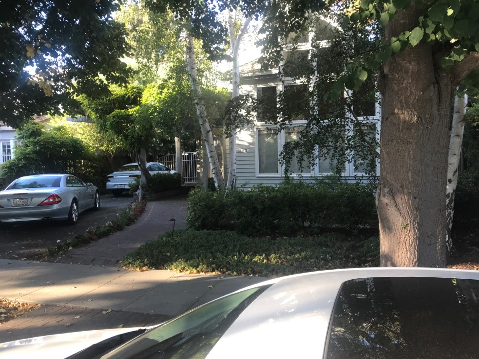 Palo Alto, CA - Customer installed an 80% gas furnace and wants to add Air Conditioning. Home needs a 5 ton system, and has limited side yard space. Bryant 124A 5 ton single stage.