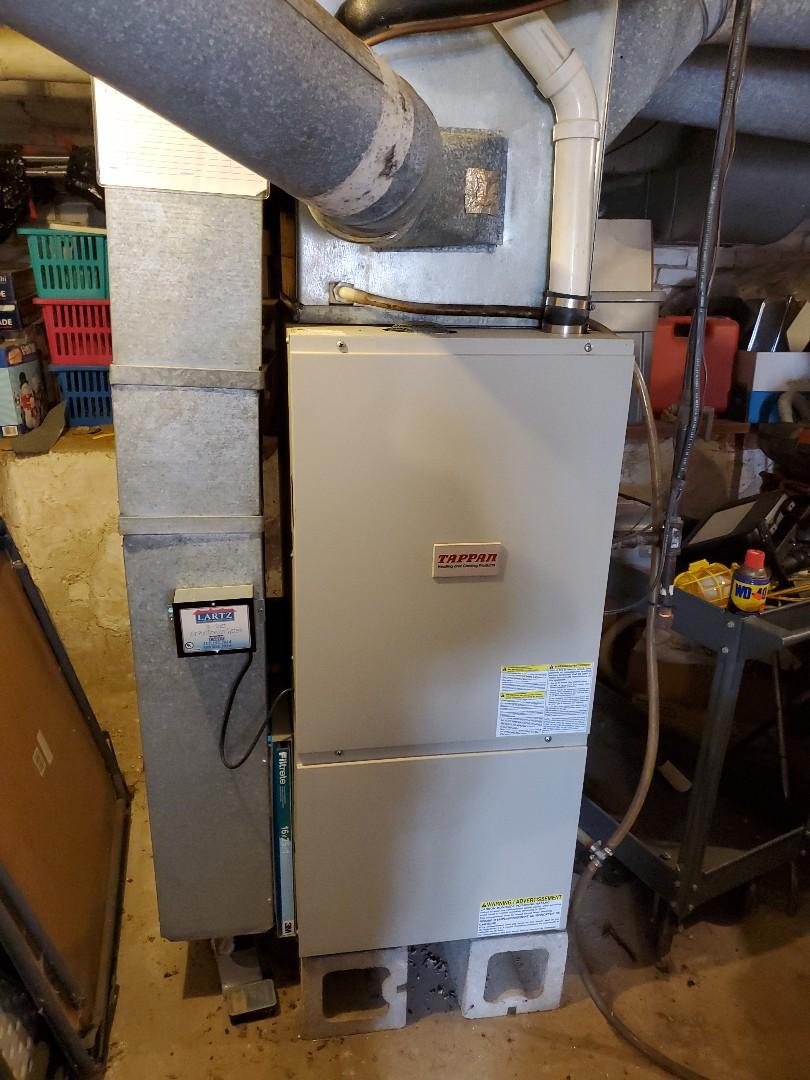 Hudson, IL - Seasonal tune up on Tappan furnace