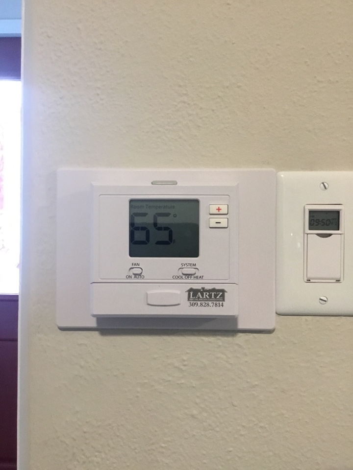 Bloomington, IL - Installation of a new Pro 701 thermostat.