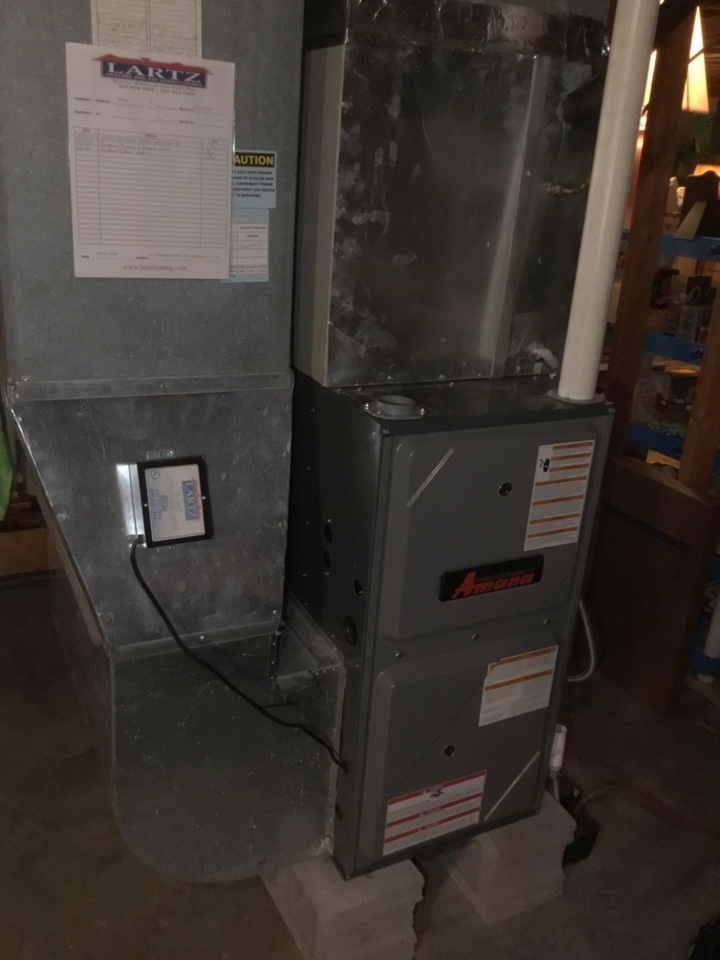 Towanda, IL - No heat call for a blown fuse on this Amana furnace.