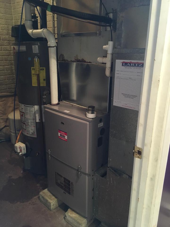 Ellsworth, IL - Install new signature series furnace
