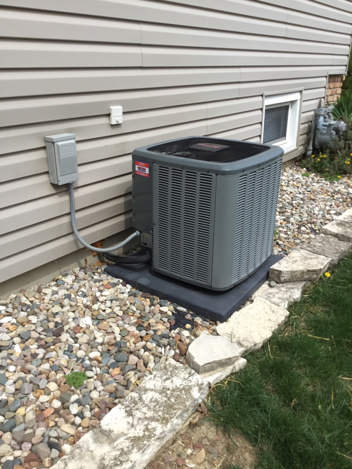 Bloomington, IL - Seasonal maintenance on this Amana AC before warmer weather arrives.