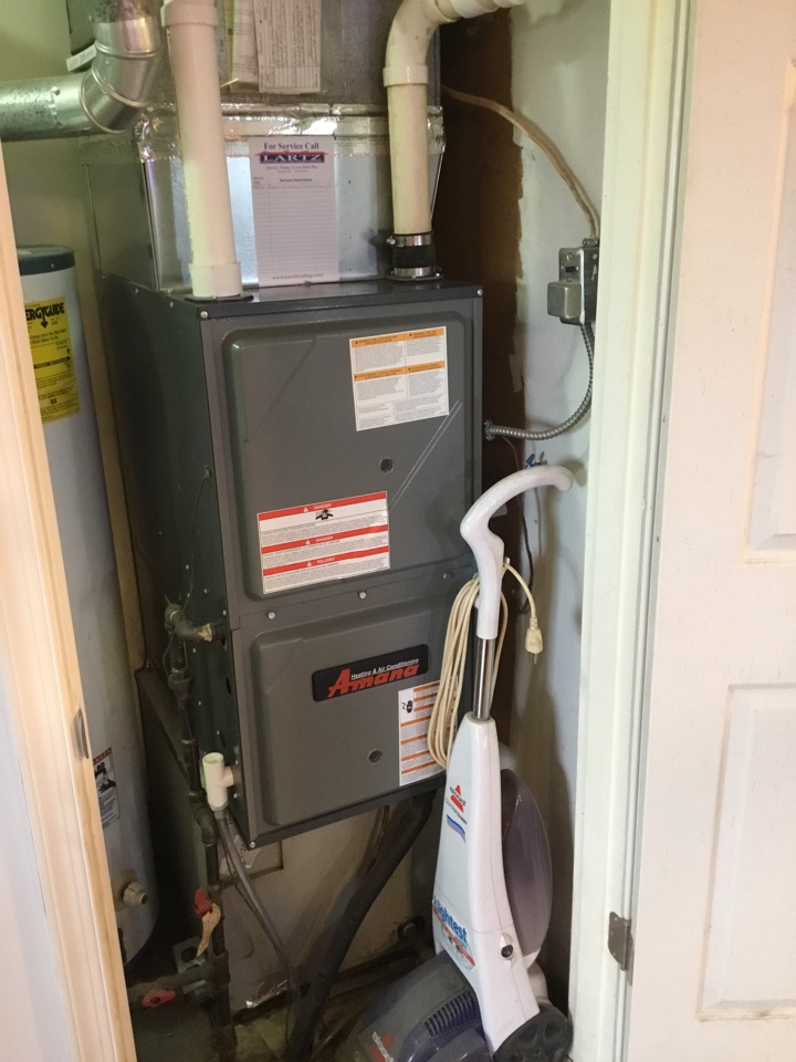 Stanford, IL - Poor heat call on this Amana 96% 2 Stage gas furnace.