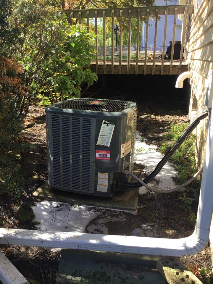 Bloomington, IL - Seasonal maintenance on this Amana AC.