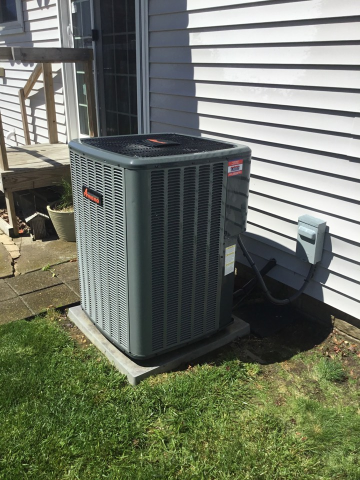 Bloomington, IL - Seasonal maintenance on this 16 SEER Amana AC, to make sure it's performing efficiently for summer.