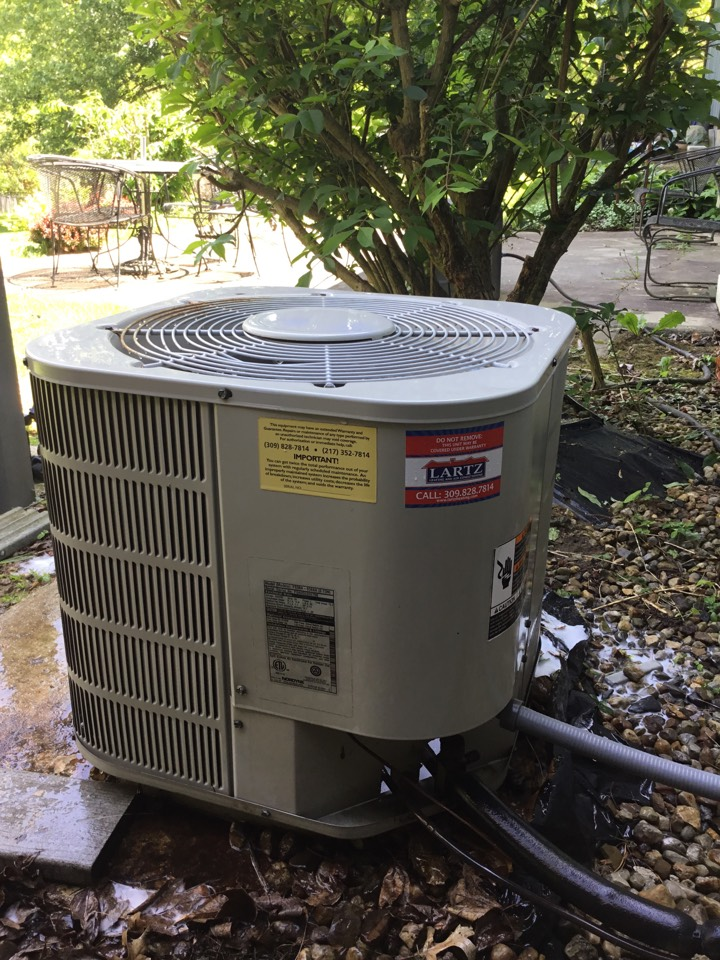 Bloomington, IL - Spring tuneup on this older Tappan AC to make sure it's ready for summer.