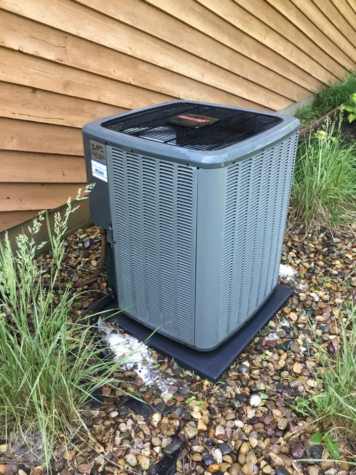 Bloomington, IL - Seasonal maintenance on this Amana AC to make sure it's running properly before summer.