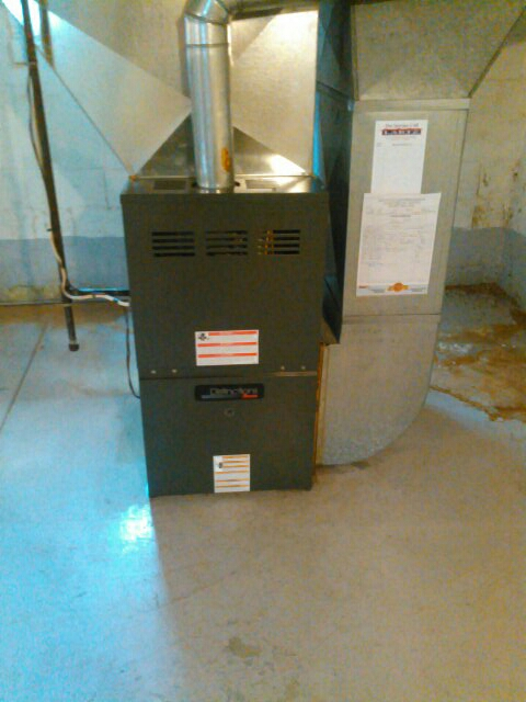 Atlanta, IL - Warranty blower motor repair on 80% Amana Furnace