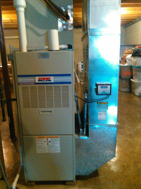 Downs, IL - ANNUAL TUNE UP ON A HEIL 90% EFFICIENCY FURNACE. INSTALL OF A LARTZ SIGNATURE SERIES UV AIR PURIFICATION SYSTEM.