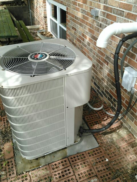 Armington, IL - AC SERVICE ON A TAPPAN CONDENSER AND COIL.