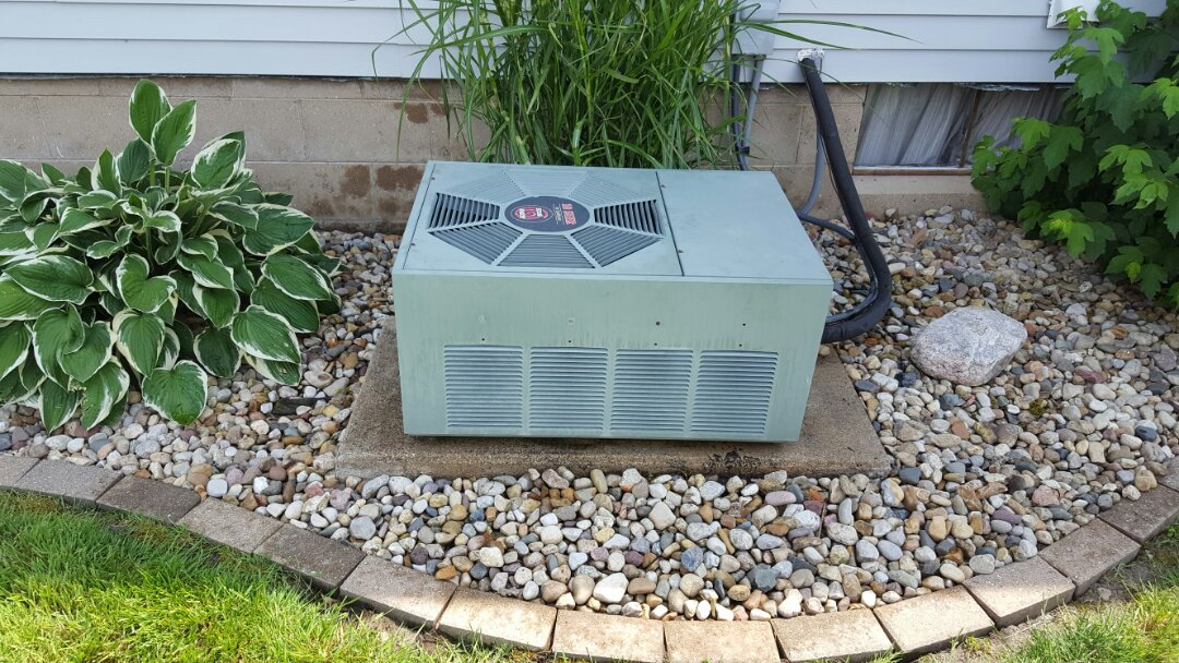 El Paso, IL - No cool Rheem ac condenser found bad fan motor replaced all running fine now