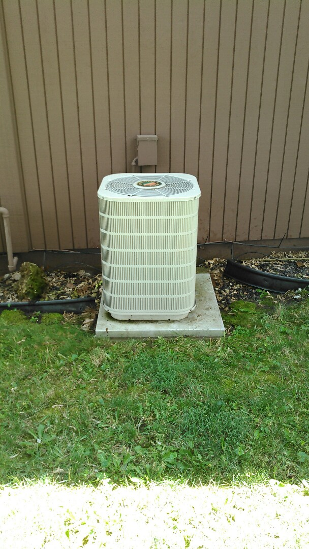 Urbana, IL - TUNE UP ON TAPPAN AIR CONDITIONER