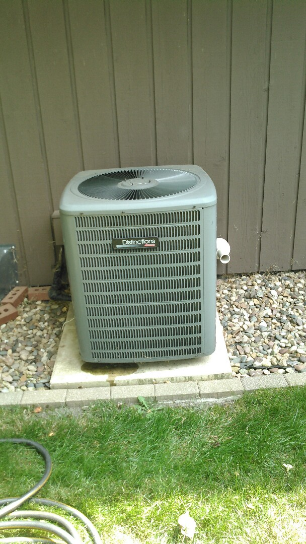 Towanda, IL - TUNE UP ON AMANA AIR CONDITIONER