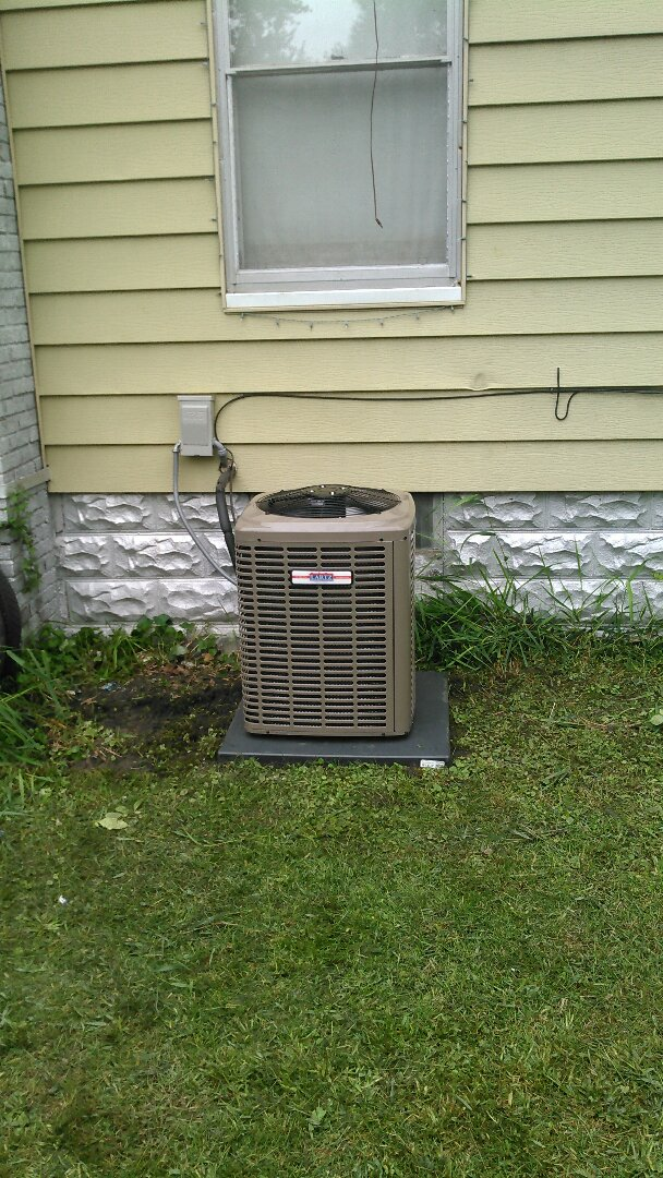 Colfax, IL - INSTALL NEW.LARTZ SIGNATURE SERIES (CHAMPION) AIR CONDITIONER