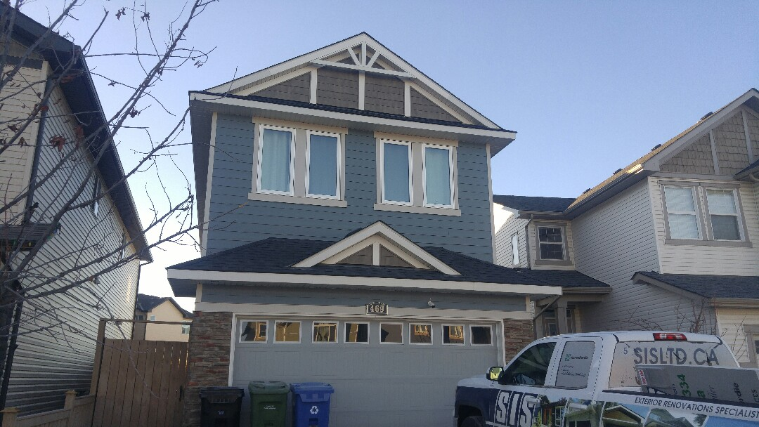 Calgary, AB - NE Calgary James Hardie siding James Hardie NT3 Smooth window trim James Hardie NT3 Smooth corners trim Excellent