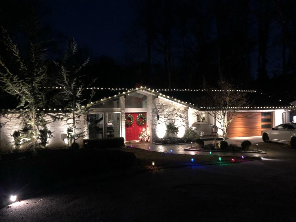 Atlanta, GA - Installing outdoor lighting in Buckhead