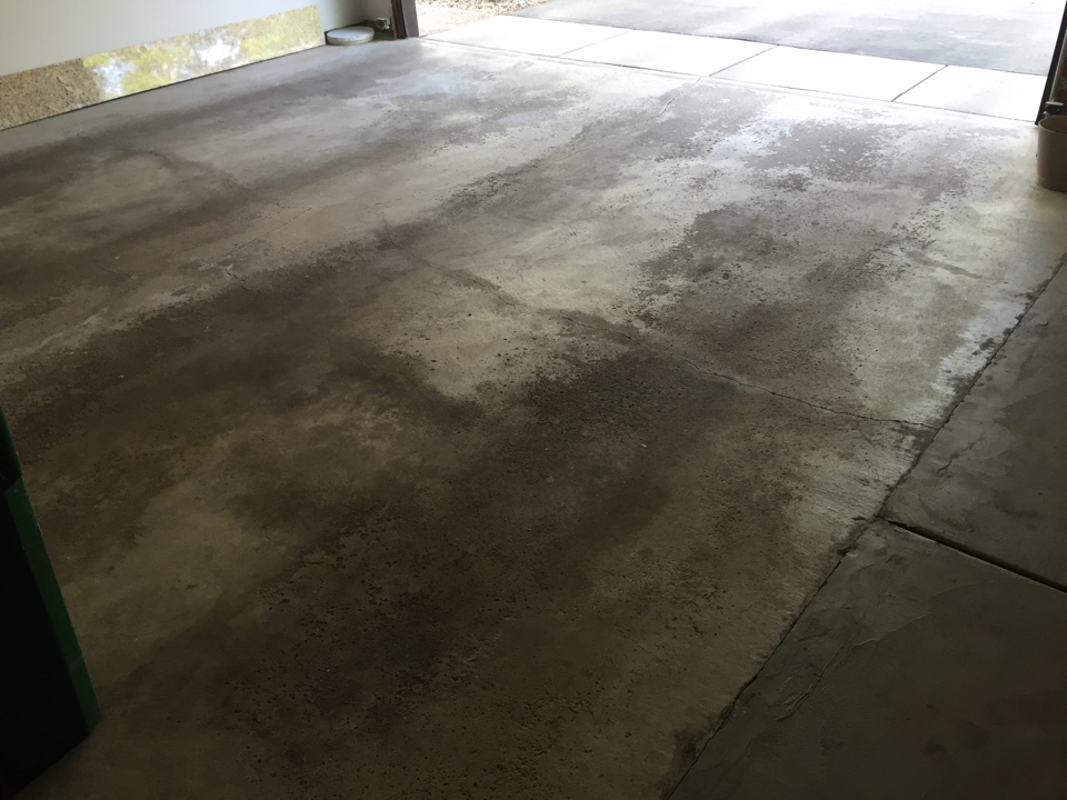 Burnsville, MN - Thank you Lary and Brenda for hiring us to install a polyurea full flake coating on your garage floor.