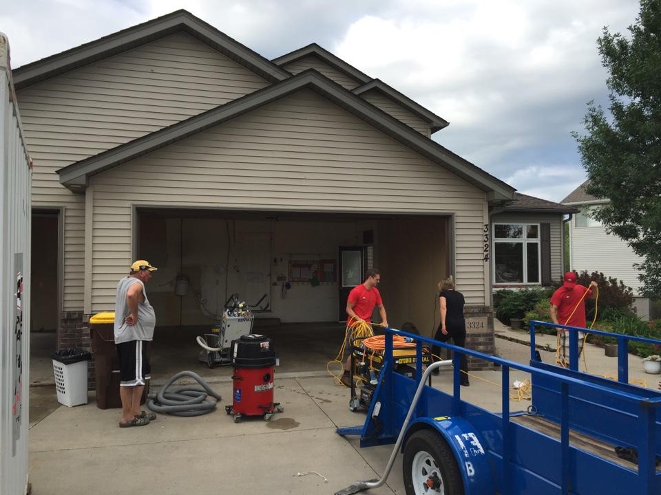 Elko New Market, MN - Getting ready to install a polyurea garage floor in New Market MN.