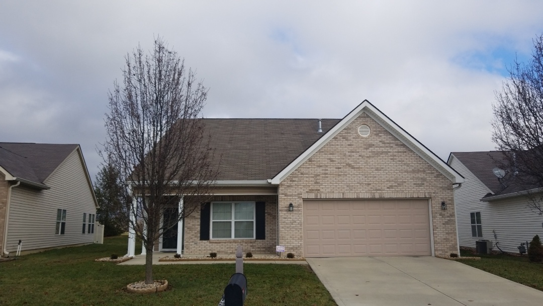 Indianapolis, IN - Roof was damaged by Hail. UHQ Construction Replaced with Owens Corning Shingles.