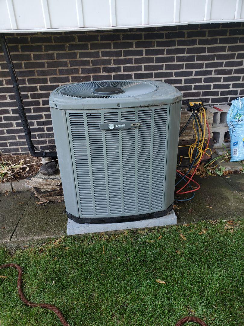 Bourbonnais, IL - Air conditioner tuneup