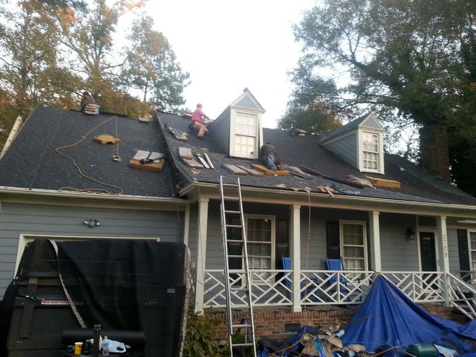 Knightdale, NC - new lifetime architectural shingle roof; Certainteed Landmark Lifetime warranty,  Georgetown Gray. ...in east Raleigh. ...Spilman inc.  takes the worry out of inclement weather for another lucky homeowner!