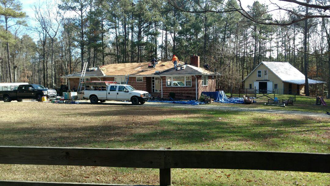 Creedmoor, NC - Another Great day to replace a roof; Spilman,inc. Is putting a Lifetime Certainteed Landmark product on this Creedmoor home on a small horse farm just north of Raleigh, NC...call for a FREE Estimate Today...(919) 510-0280... Or check out our reviews n Google. www.spilmaninc.com