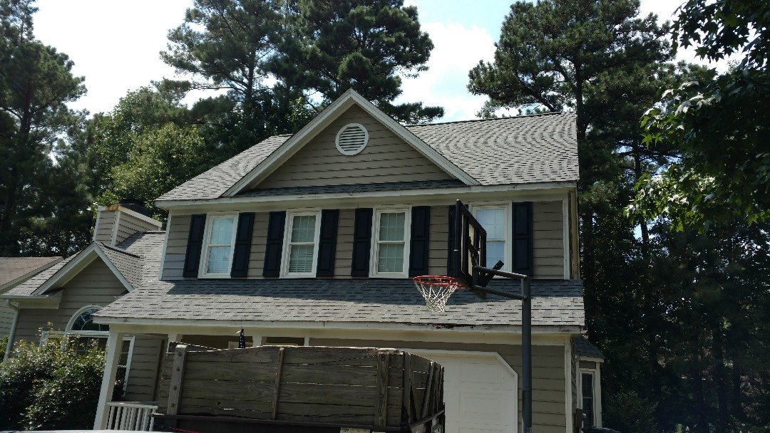 North Raleigh subdivision, Harrington Grove, New Lifetime Warranty Roof by Spilman,inc. Roofing PROS....