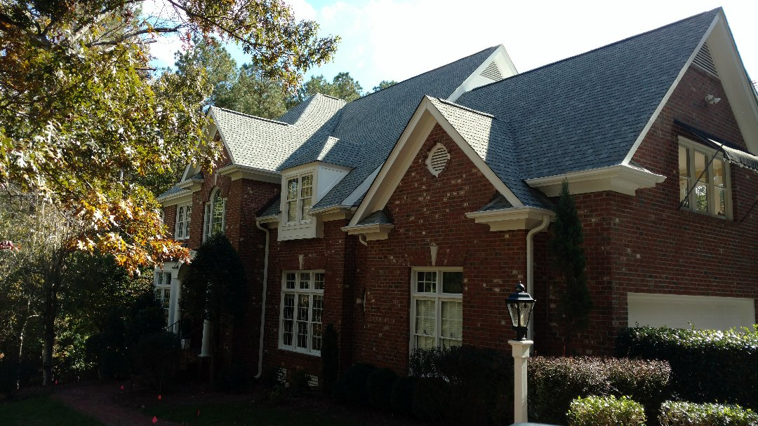 Gorgeous home w/Spilman roof from 2013, still in Like New Condition!!we give Free Estimates ALWAYS, offer the longest warranty in NC, and work directly w/customer to deliver the ultimate product, on time, Under, 0r On budget Every time, and have the reference list to back it up! Call or click Today!! (919)519-0280 www.spilmaninc.com