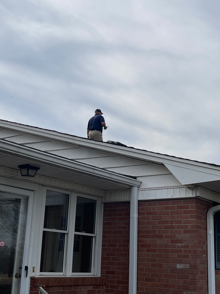 Lawndale, NC - Measuring for new gutters