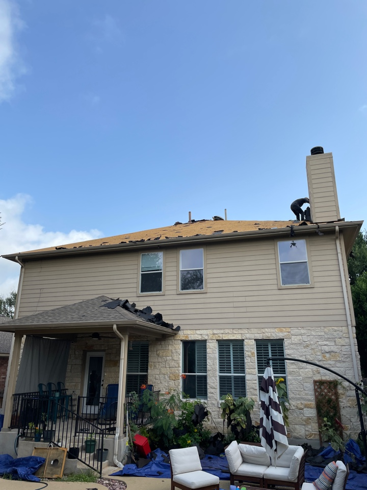 Cedar Park, TX - Hail storm roof damage. Complete insurance claim  replacement after inspection. Owens Corning Duration Driftwood.