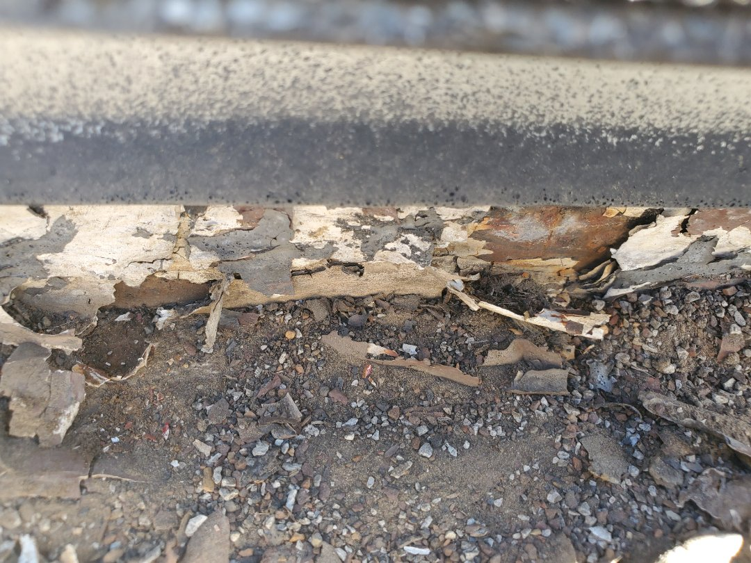 Englewood, CO - We are quoting a full gutter replacement for this house in Englewood, CO. A leak formed in the sunroom because the gutters were not retain water and we're leaking behind the fascia and into the sunroom.