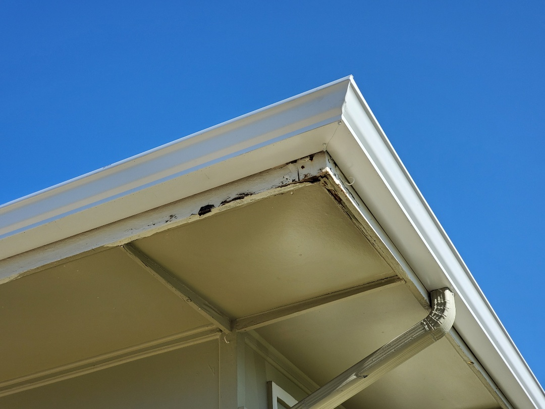 Englewood, CO - We are quoting a fascia repair for some fascia that has rotted on this house in Englewood.