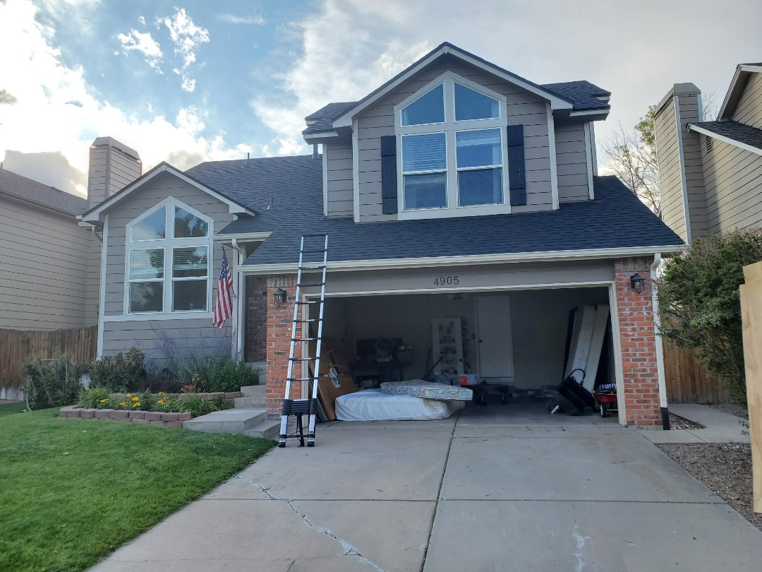 Castle Rock, CO - We are doing a roof inspection for this home in Castle Rock that is being sold and the owners did not want to have any surprises when it came to the roof. Roof does not have hail damage and looks like it will serve the new owners for years to come