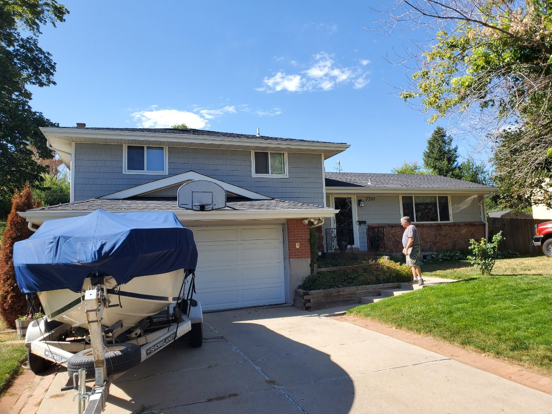 Centennial, CO - We are bidding a gutter replacement project for new gutters on a few sections of the house here in Centennial, CO