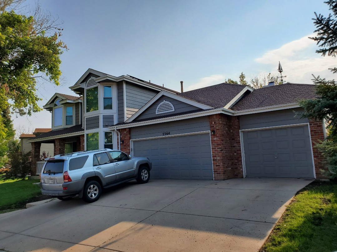 Aurora, CO - We are doing some gutter cleaning at this house in Aurora