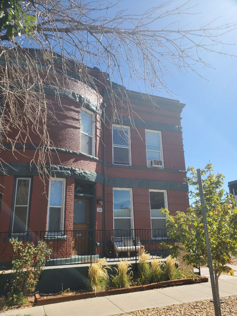 Denver, CO - We are doing a quote for a gutter replacement project on this 1880's house in Denver
