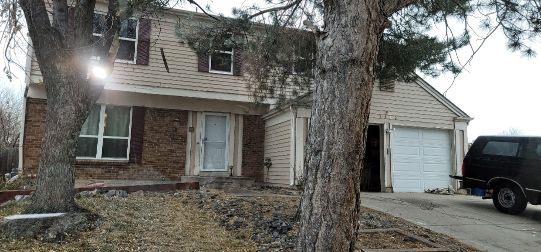 Aurora, CO - We are doing a free roof inspection for this house in Aurora that needs a new roof