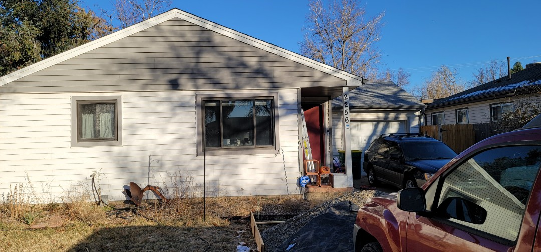 Aurora, CO - We are doing a roof inspection for a roof replacement in Aurora for this house that has an old roof