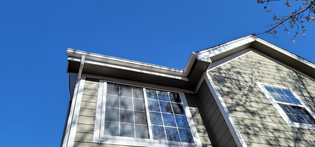 Lone Tree, CO - We are doing a soffit and fascia inspection for this house in Lone Tree that needs fascia replaced