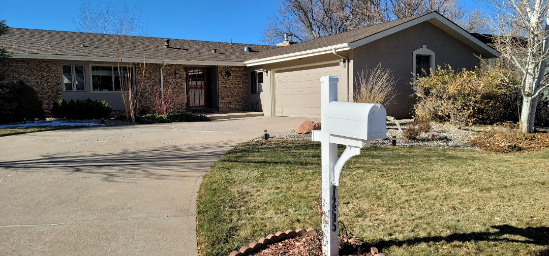 Centennial, CO - We are doing an inspection for this house in Centennial that needs some soffit, fascia and gutter repair