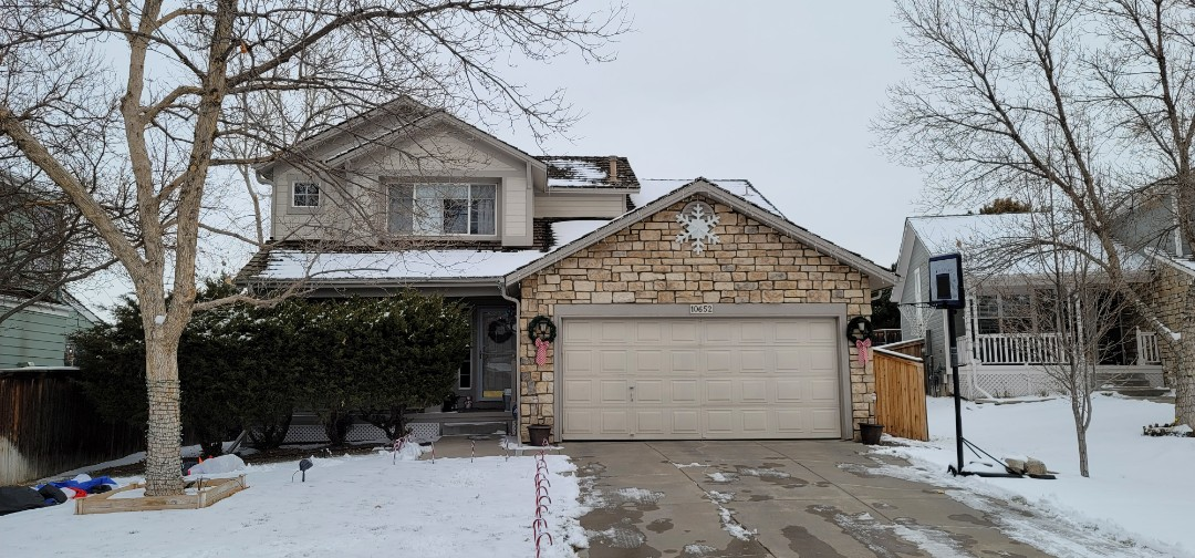 Parker, CO - We are doing a full roof replacement quote for this house in Parker. We are also going to quote replacement for new gutters and downspouts