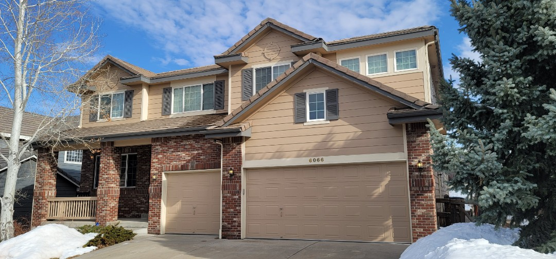 Aurora, CO - We are doing a gutter inspection for this house in Aurora that needs a full gutter replacement on their house