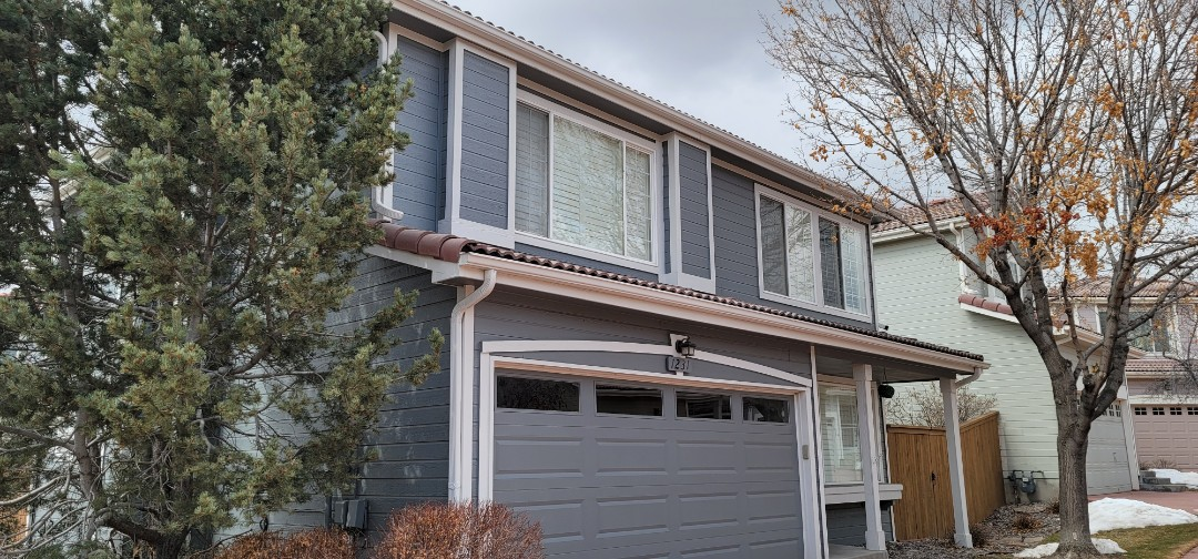Littleton, CO - We are doing a gutter cleaning for this house in Highlands Ranch