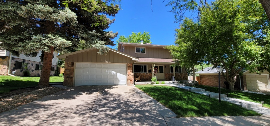 Denver, CO - We are doing a full gutter and downspout replacement proposal for this house in Aurora that needs new gutters and new downspouts