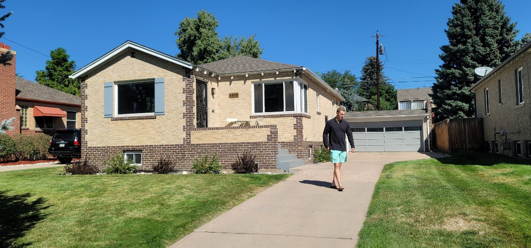 Denver, CO - We are doing a gutter inspection for new gutters for this house in Denver
