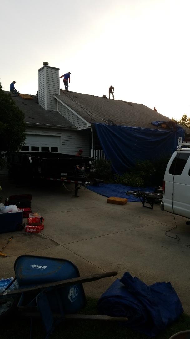 McDonough, GA - Installing a brand new GAF roof