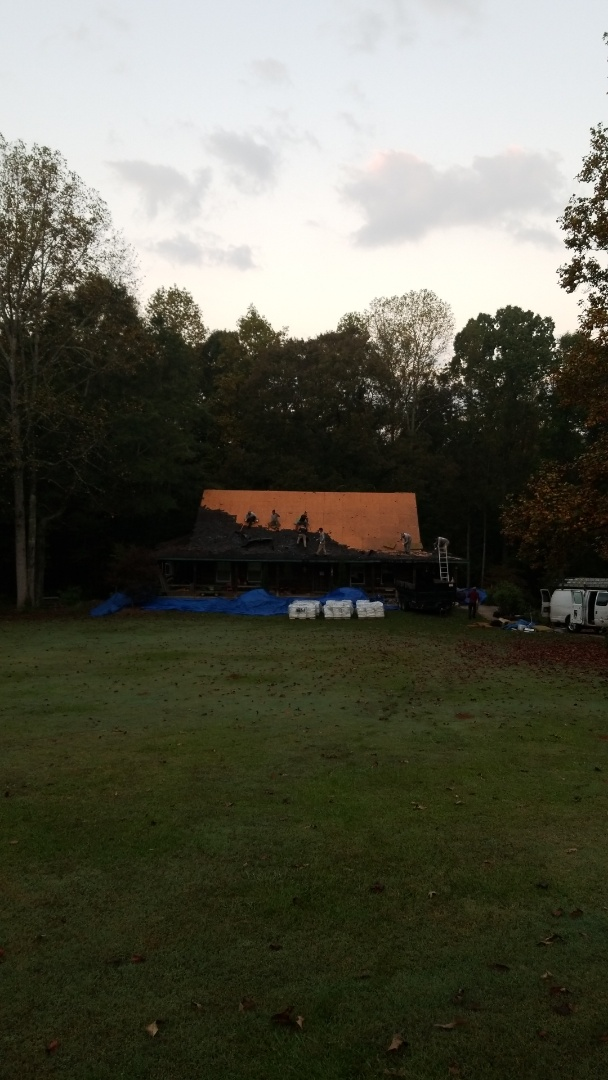 Newnan, GA - Installing a brand new GAF Grand Sequoia roof this morning