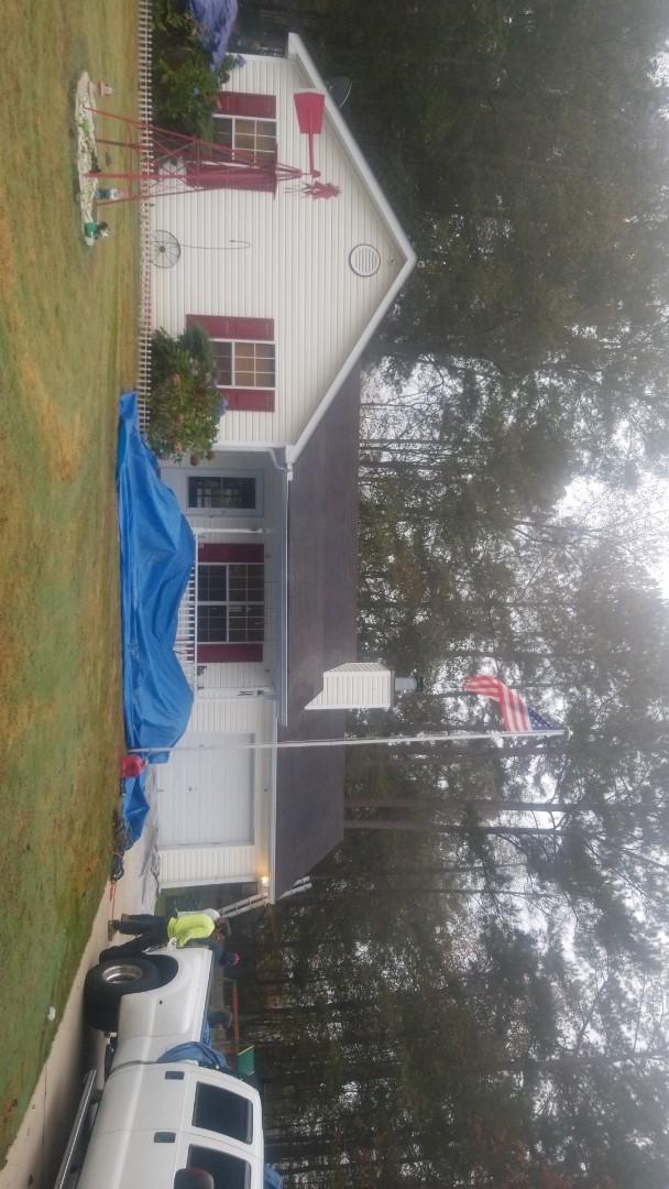 Grantville, GA - Installing a brand new GAF Timberline HDZ Shakewood roof this morning