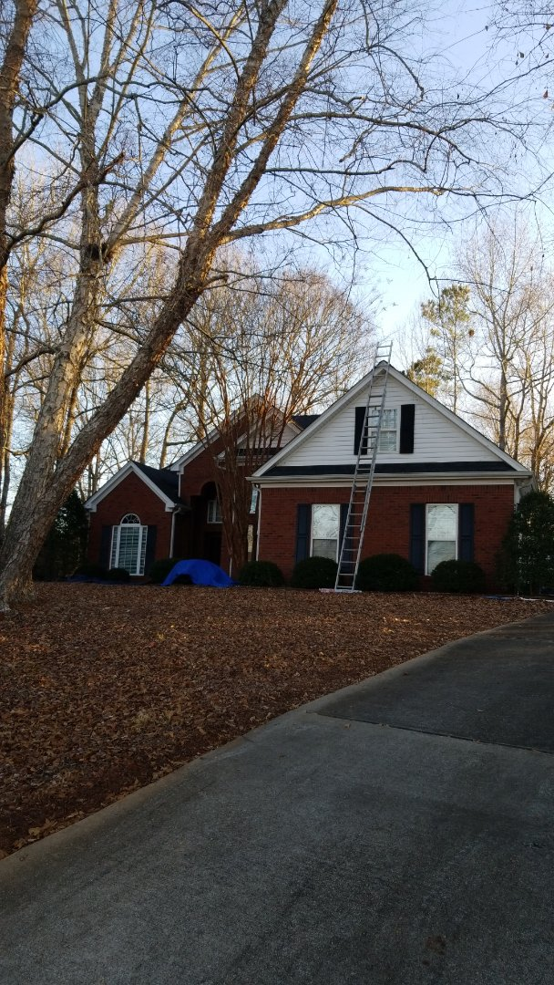 Newnan, GA - Installing a brand new GAF Timberline HDZ Charcoal roof this morning