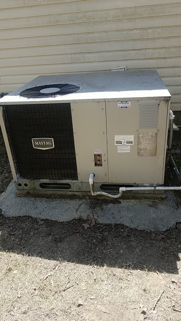 Chattanooga, TN - Service call. Performed repair on a Maytag gas unit.